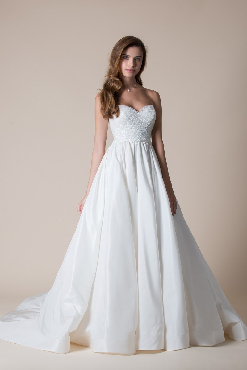 Rosina Wedding Dress from the MiaMia Flying Down to Rio 2020 Bridal Collection