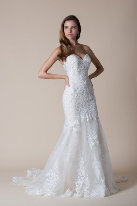 Venus Wedding Dress from the MiaMia Flying Down to Rio 2020 Bridal Collection