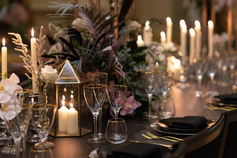 Chic wedding table styling