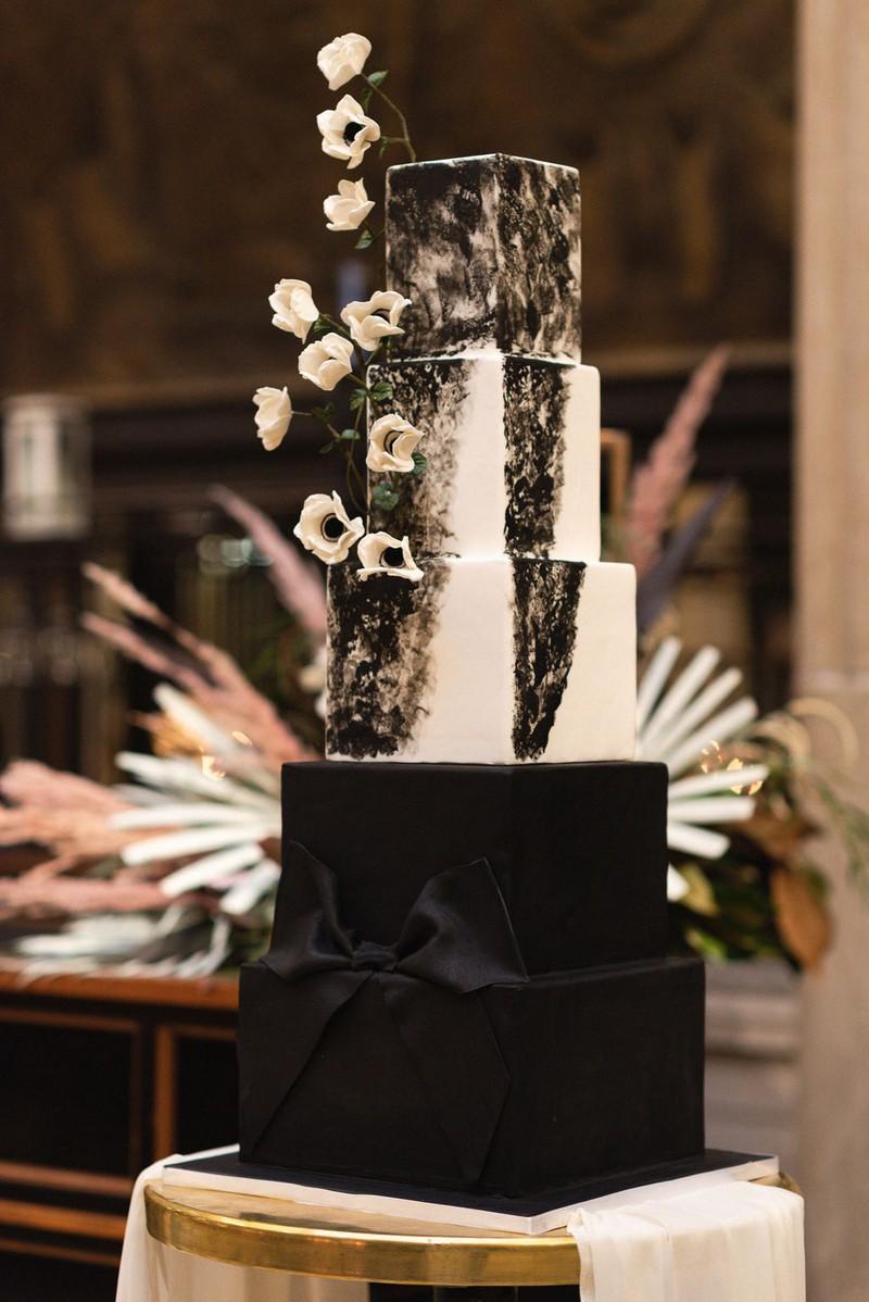 Chic black and white wedding cake