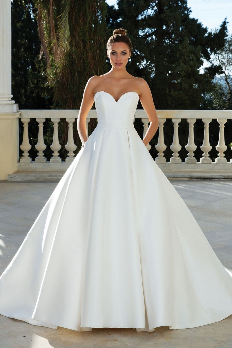 Style 88110 Wedding Dress from the Justin Alexander Spring/Summer 2020 Bridal Collection