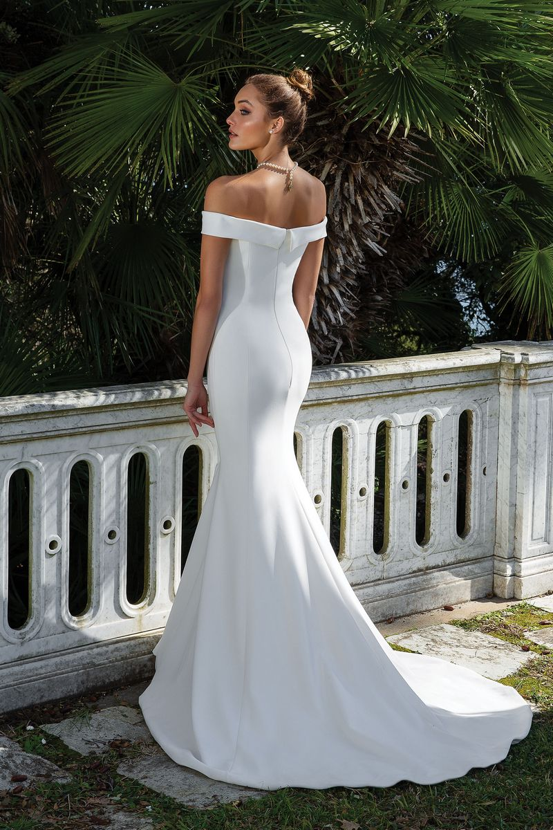 Back of Style 88115 Wedding Dress from the Justin Alexander Spring/Summer 2020 Bridal Collection