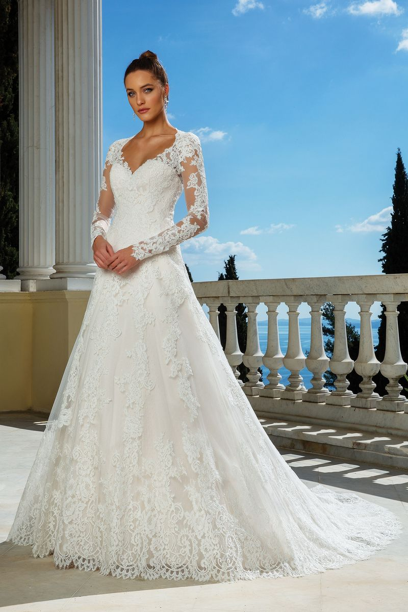 Style 88116 Wedding Dress from the Justin Alexander Spring/Summer 2020 Bridal Collection