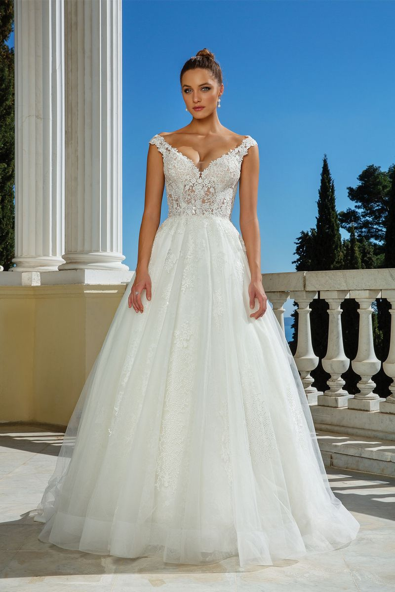 Style 88117 Wedding Dress from the Justin Alexander Spring/Summer 2020 Bridal Collection