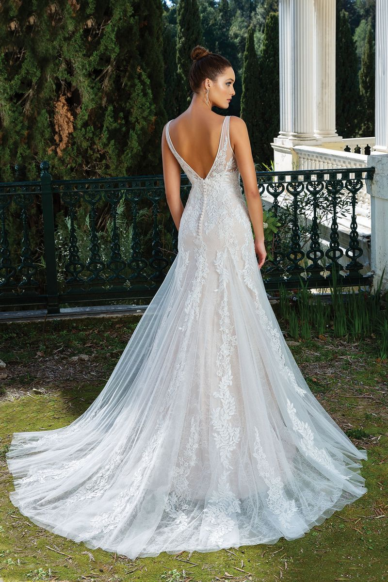 Back of Style 88121 Wedding Dress from the Justin Alexander Spring/Summer 2020 Bridal Collection