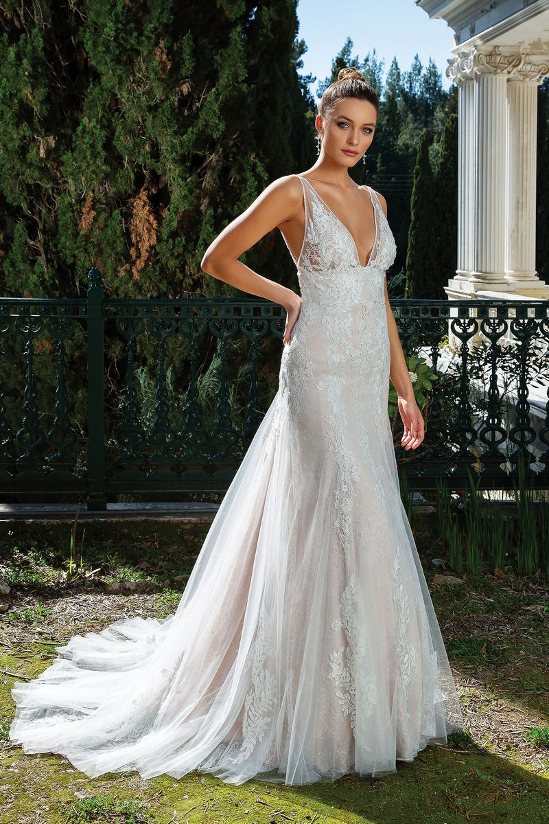 Style 88121 Wedding Dress from the Justin Alexander Spring/Summer 2020 Bridal Collection