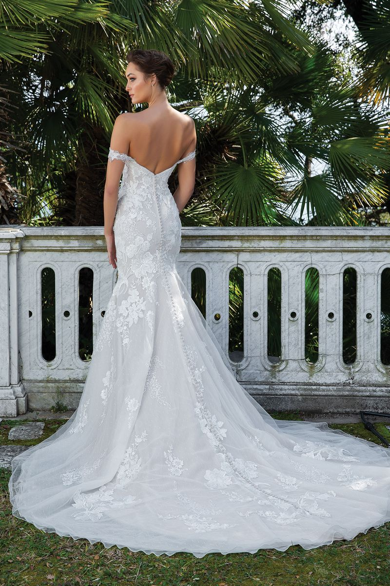 Back of Style 88123 Wedding Dress with Straps from the Justin Alexander Spring/Summer 2020 Bridal Collection