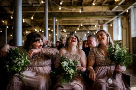 Bridesmaids laughing tpgether - Picture by Steve Grogan Photography