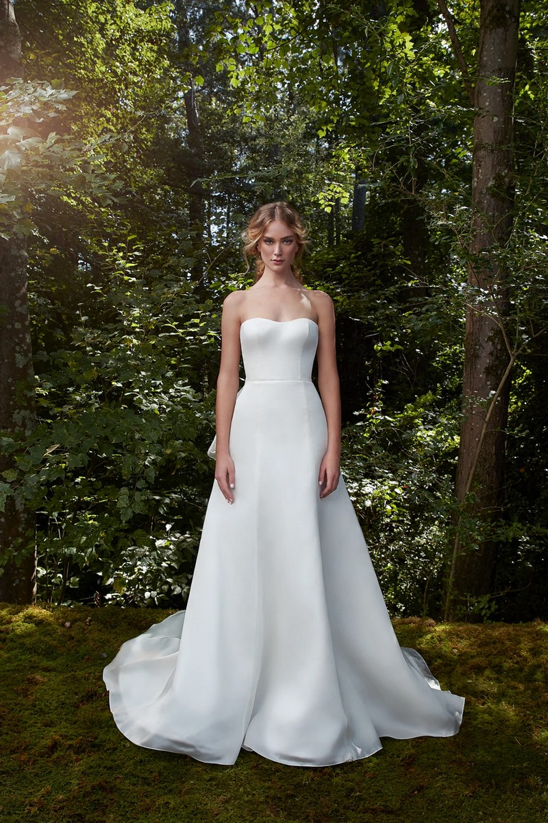 Glory wedding dress from the Anne Barge 2021 Bridal Collection