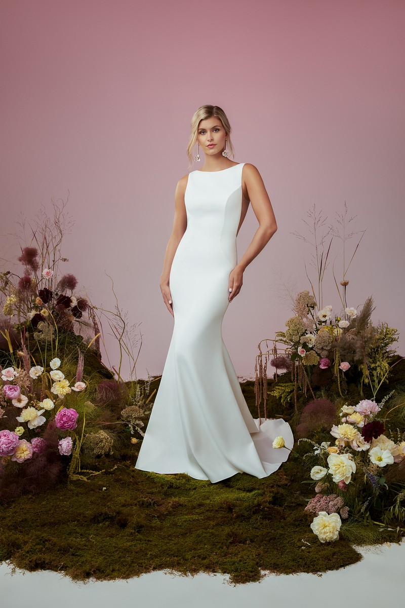 Kismet wedding dress from the Anne Barge Blue Willow Bride 2021 Bridal Collection