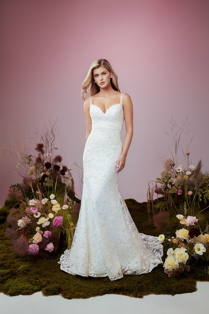 Serendipity wedding dress from the Anne Barge Blue Willow Bride 2021 Bridal Collection