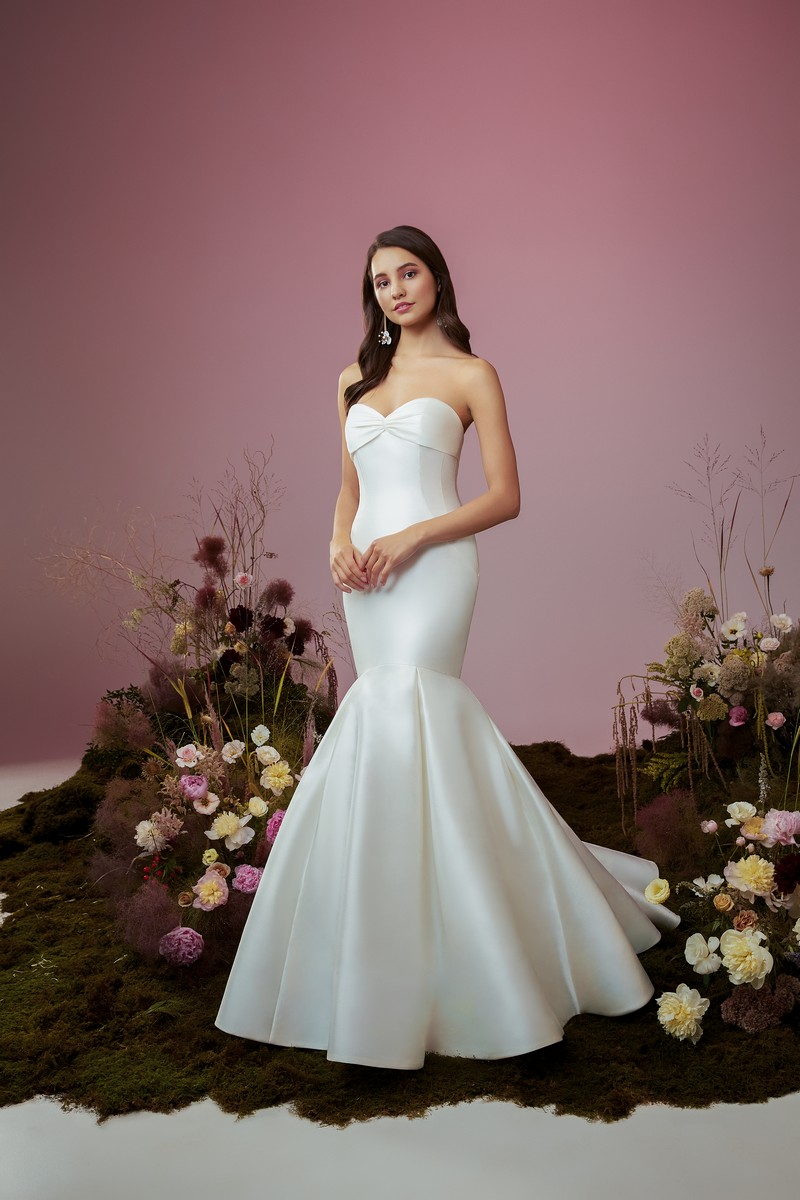 Vow wedding dress from the Anne Barge Blue Willow Bride 2021 Bridal Collection