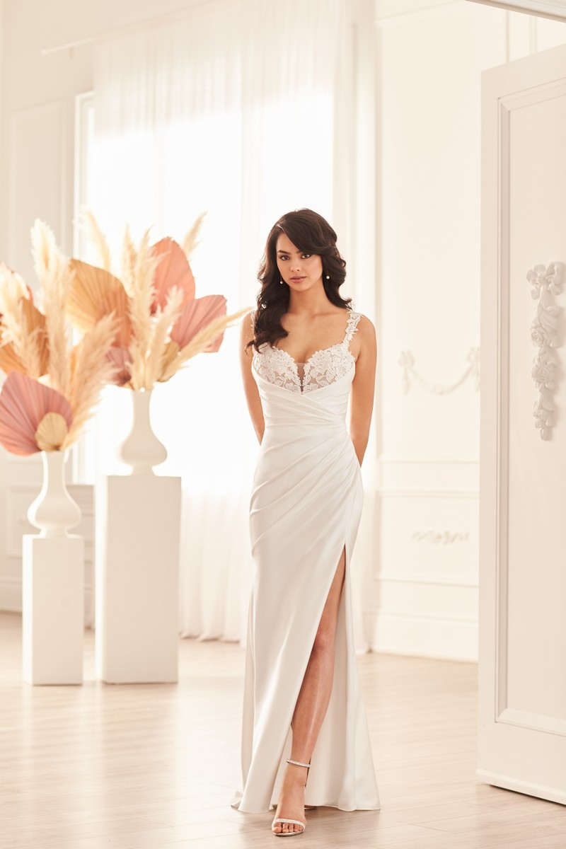 Style 4951 wedding dress from the Paloma Blanca Fall 2021 Bridal Collection