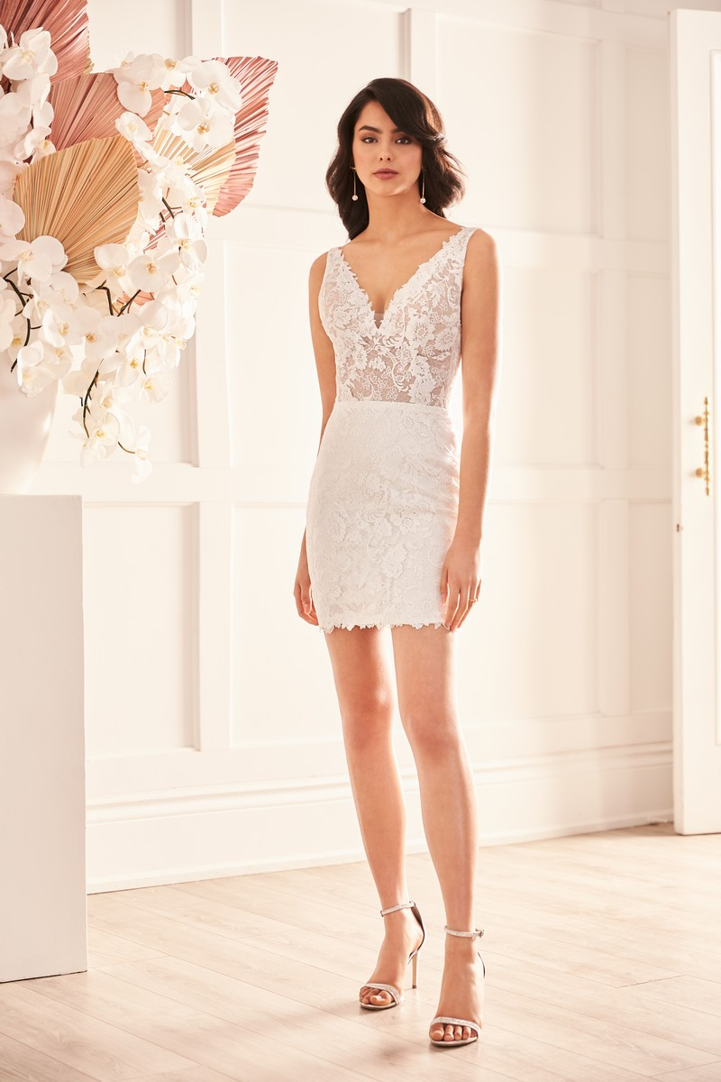 Style 4959 wedding dress from the Paloma Blanca Fall 2021 Bridal Collection