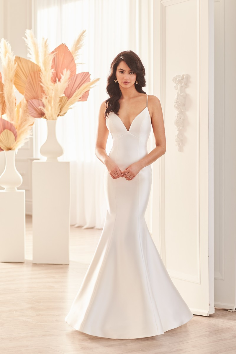 Style 4960 wedding dress from the Paloma Blanca Fall 2021 Bridal Collection