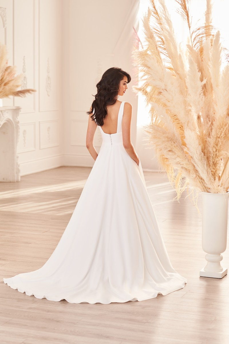Back of Style 4962 wedding dress from the Paloma Blanca Fall 2021 Bridal Collection