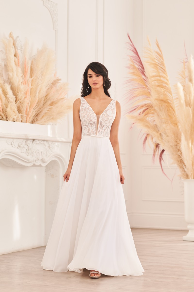 Style 4963 wedding dress from the Paloma Blanca Fall 2021 Bridal Collection